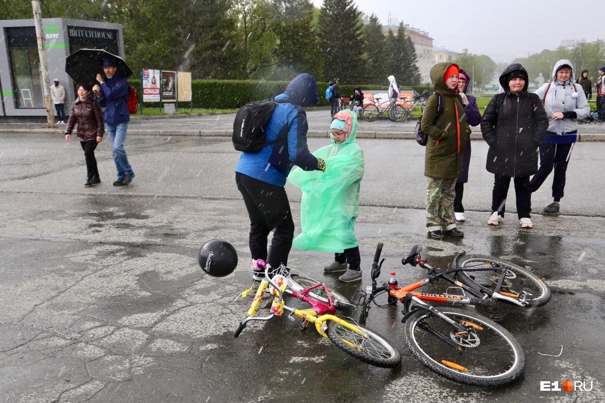 Екатеринбург завалило градом