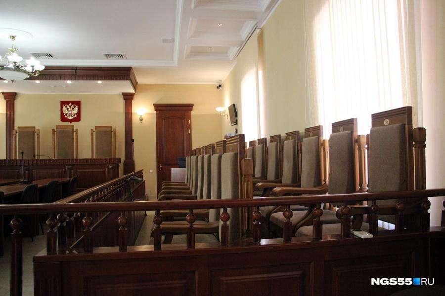 ВОмске двое полицейских получили три года колонии заизбиение схваченного