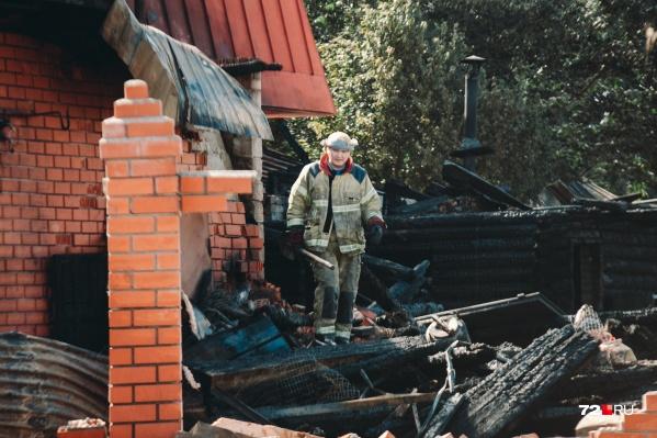 Взрыв газа в жилом доме прогремел в пятом часу утра 31 июля. В результате погибли 58-летний Алексей Никищенков и его 10-летняя внучка