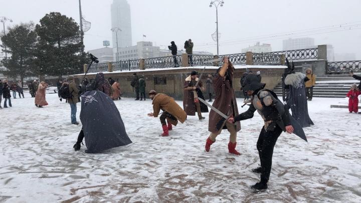 Блокбастер из XIII века: русские витязи сразились с рыцарями на Плотинке