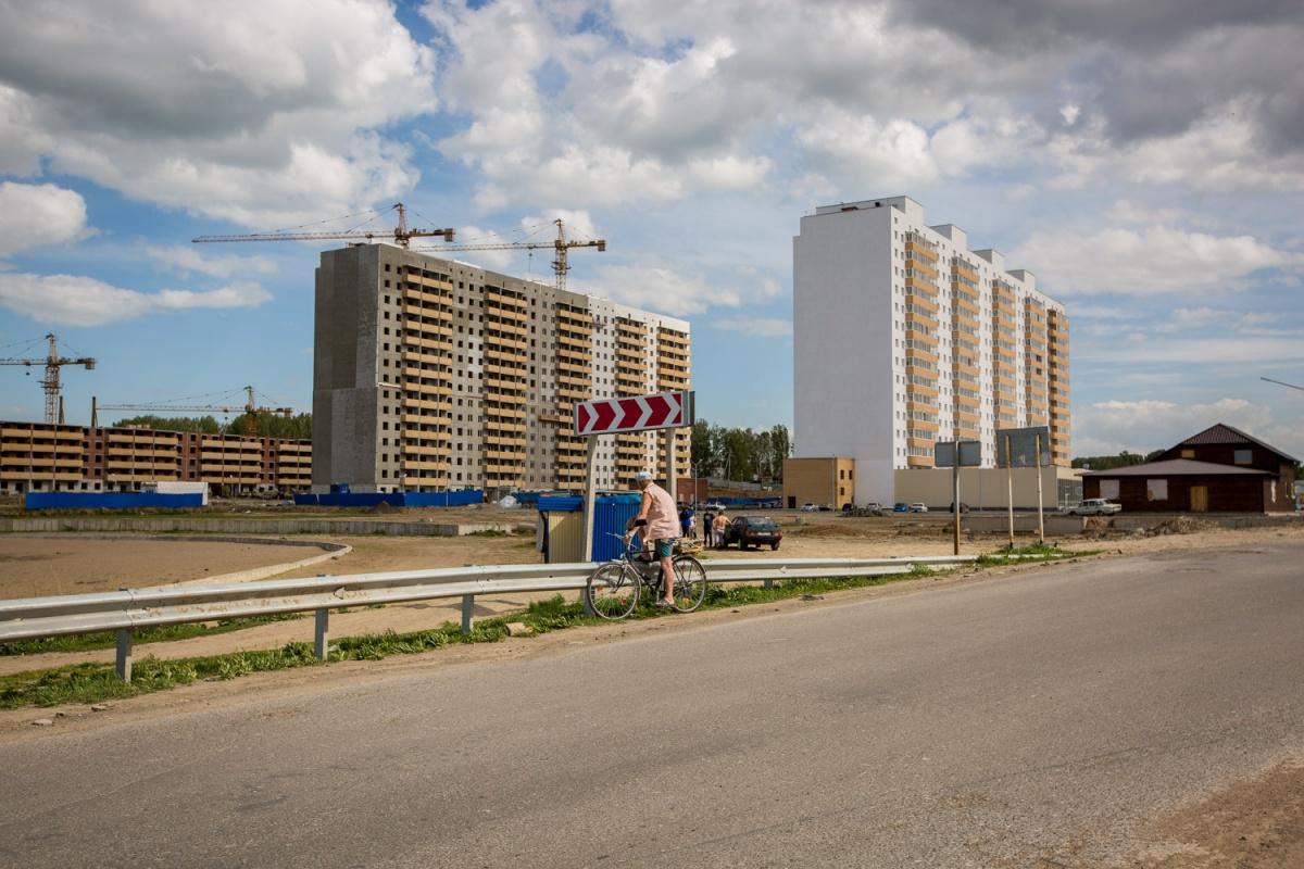 На плохое обслуживание и строительные недостатки жители жаловались ещё год назад