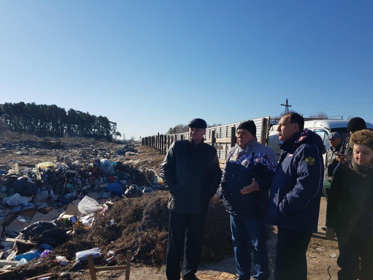 После общественного резонанса, который инициировали местные жители, чиновники наконец заметили проблему мусора в Заволжье