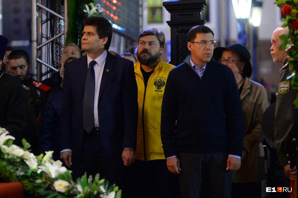 Мэр Екатеринбурга и губернатор Свердловской области также присутствовали на богослужении