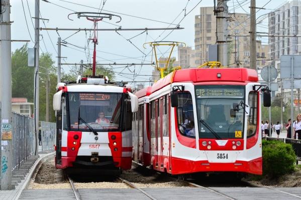 Скоростной трамвай ходит как под землей, так и на поверхности