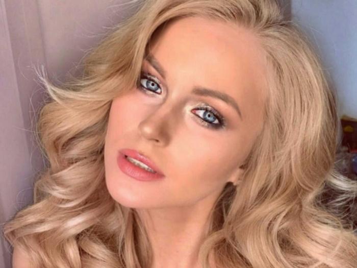 Двадцатилетняя голубоглазая блондинка Ксения Мезенцева улетела в Малайзию на конкурс «Мисс Туризм Мира»