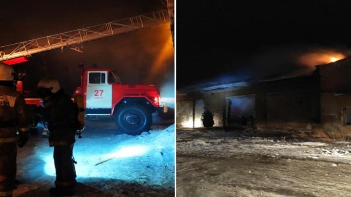 В Канске сгорел склад лесопилки
