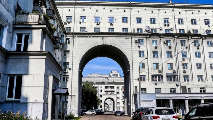 Что общего у советского идеального дома и современного ЖК. Идем на экскурсию по Автозаводу