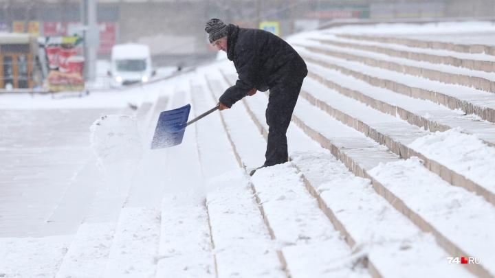 В ближайший снегопад на уборку челябинских улиц выведут дополнительных дворников