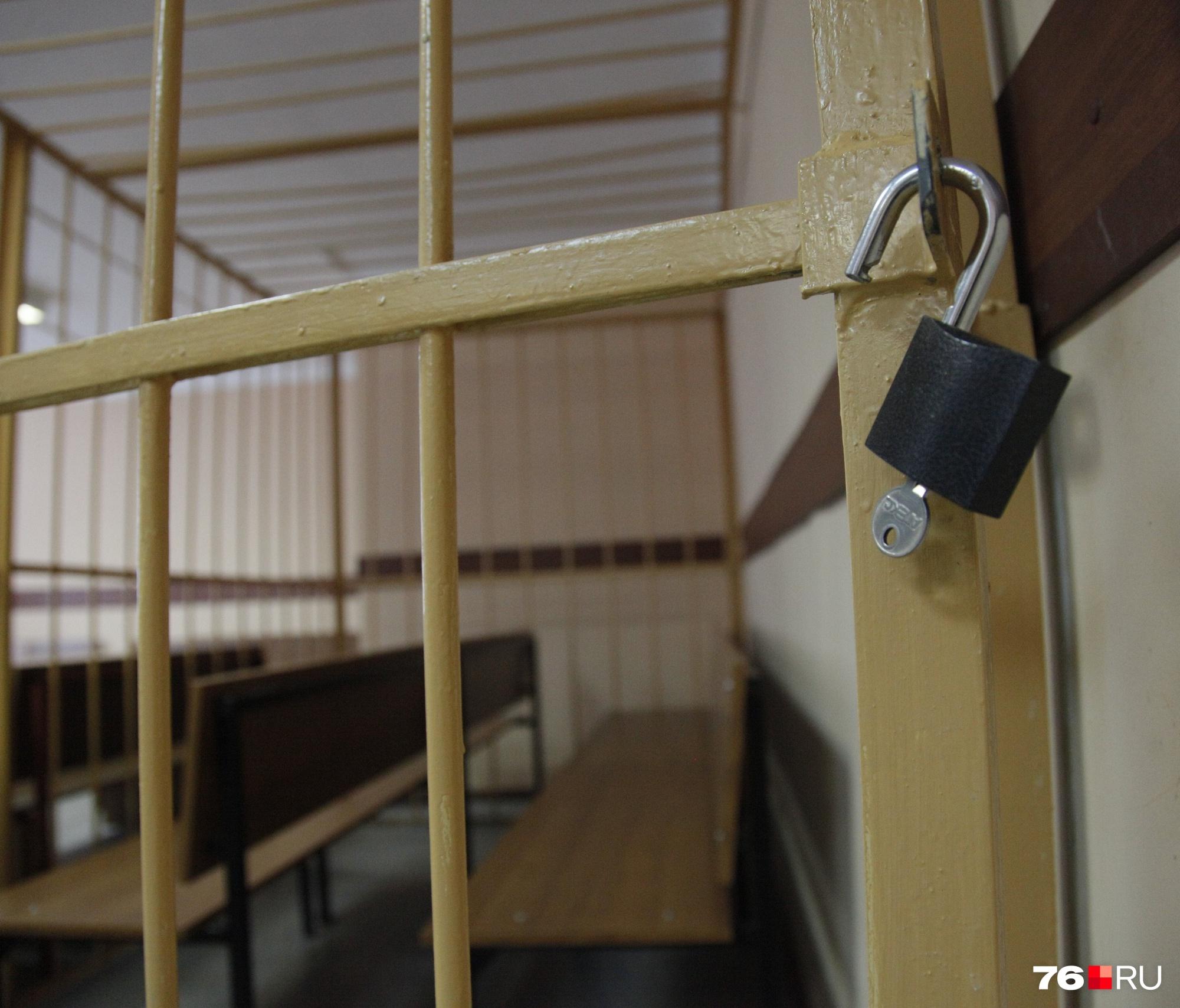 В Ярославской области суд освободил криминального авторитета из-под стр