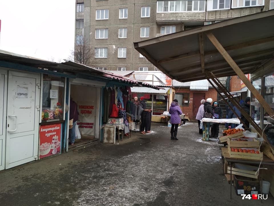 Киоски в миллионном городе мало чем отличаются от заштатных рынков
