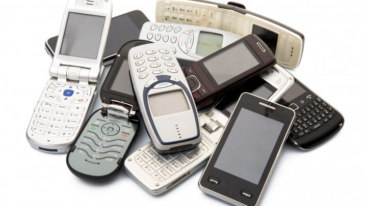 До чего техника дошла: эволюция смартфонов от «кирпича» до «яблока»