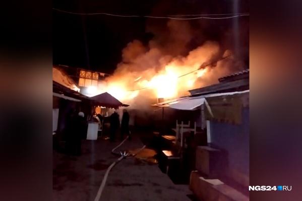 Пожар на рынке «Тотем» тушили до 6 утра