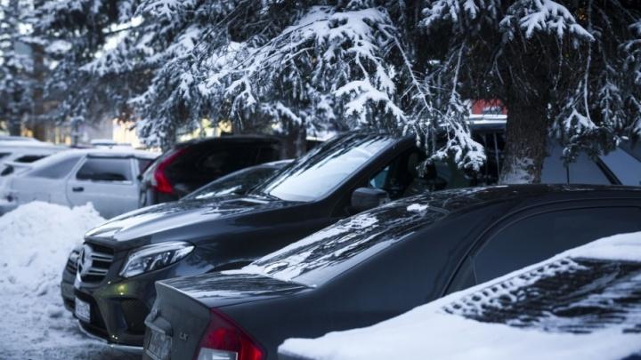 Автодилер отсудил у челябинки четверть миллиона за BMW, простоявший в салоне пять лет