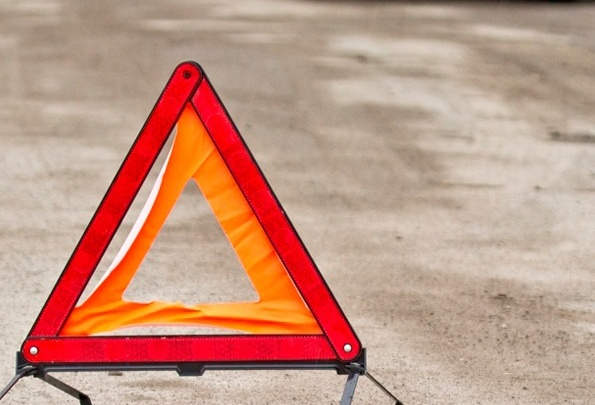 Неуправляемая машина опрокинулась в кювет на трассе: погиб пассажир