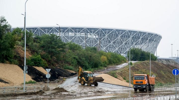 Утонувшую Нулевую продольную в Волгограде откроют не раньше завтрашнего дня
