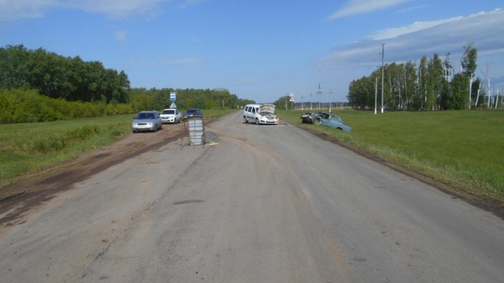 На трассе в Башкирии столкнулись «Ларгус» и «семерка»: два человека пострадали
