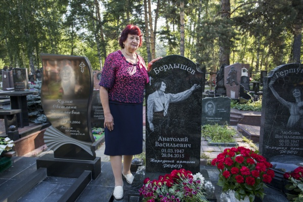 Инициатором установки памятника была сестра балетмейстера