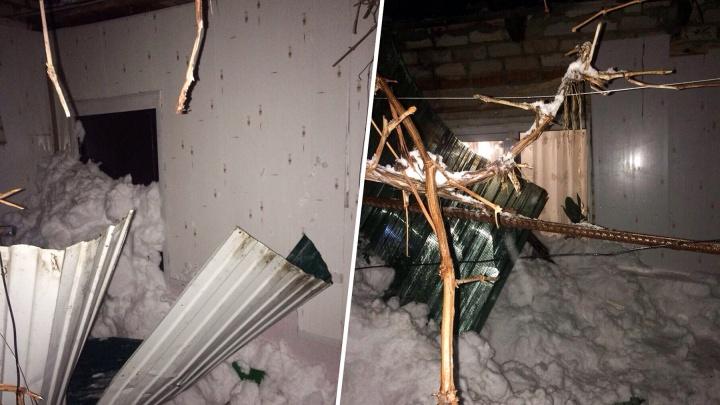 Под Самарой из-за обрушения крыши веранды погибла женщина