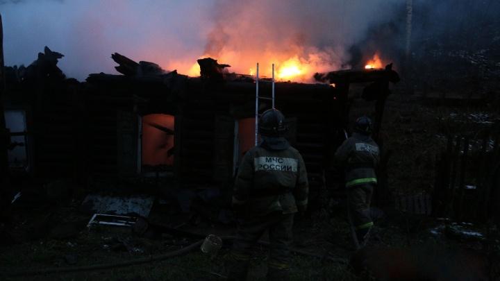 Ночной пожар в Башкирии унес жизнь владельца сгоревшего дома