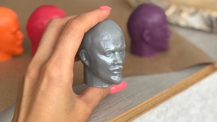 «С таким приятно провести время в душе»: в Музее советского быта выпустили мыло в виде головы Ленина