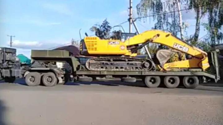 «В Камбарку заходит техника»: жители сняли ее на видео и заявили о начале стройки завода смерти