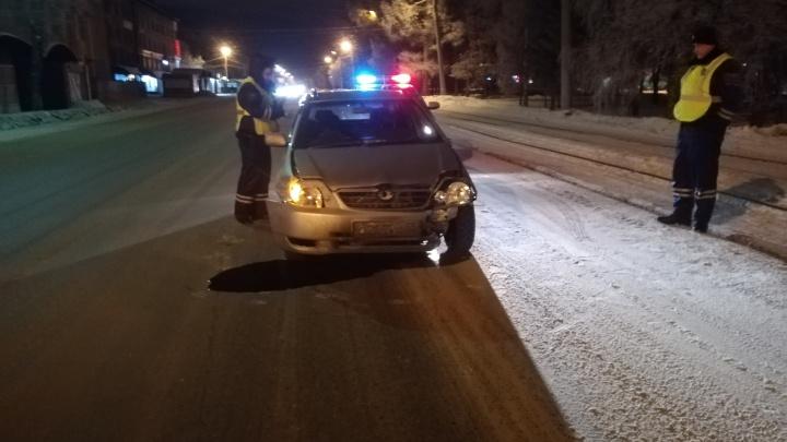 В Яндекс.Такси прокомментировали случай с пьяным водителем, из машины которого выпрыгнули омички