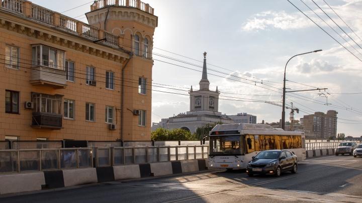 «Будем зимовать на остановках»: в Волгограде обрежут маршрут популярного автобуса