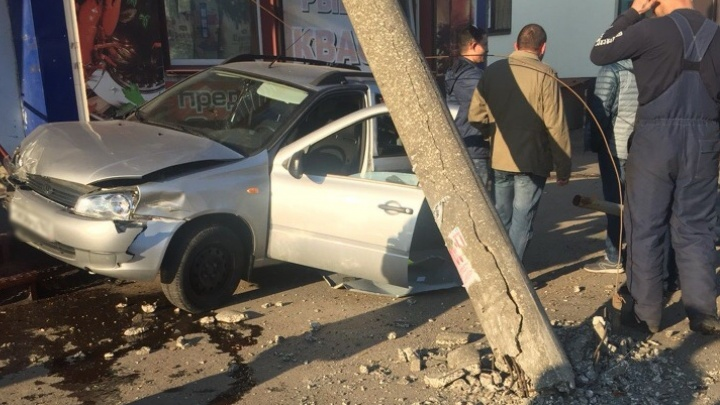 В Самарской области КАМАЗ протаранил сразу четыре легковушки