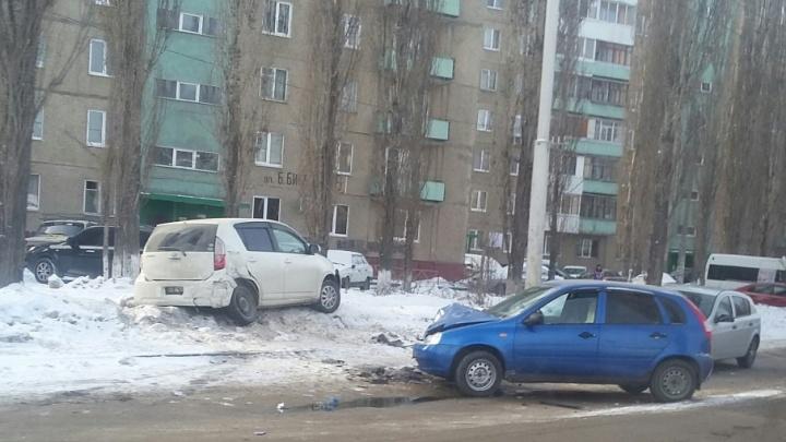 Легковушка протаранила иномарку на уфимской дороге