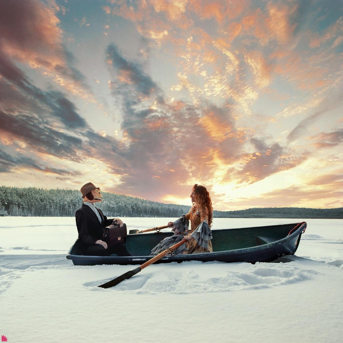 Лодка на снегу