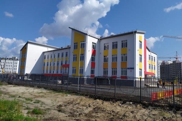 Детский сад начнет работу осенью 2019 года. Это единственный муниципальный детский сад в Тюменской слободе. Он рассчитан на 360 мест