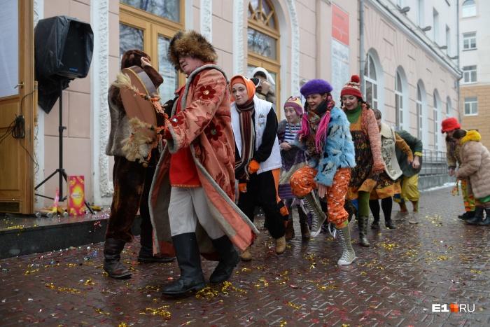 Сырая погода не напугала екатеринбургских актеров