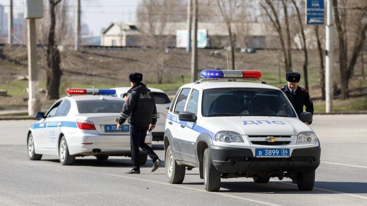 Виновника ищут: под Волгоградом сломанная «Газель» спровоцировала крупное ДТП