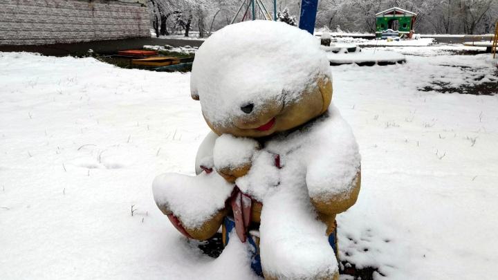 89-е февраля: смотрим, как Омск засыпает весенним снегом