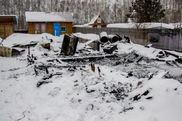В сгоревшем доме жили четверо детей
