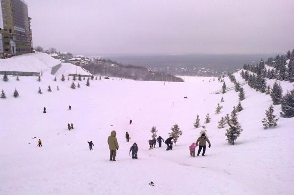 Дети катались с этой горы