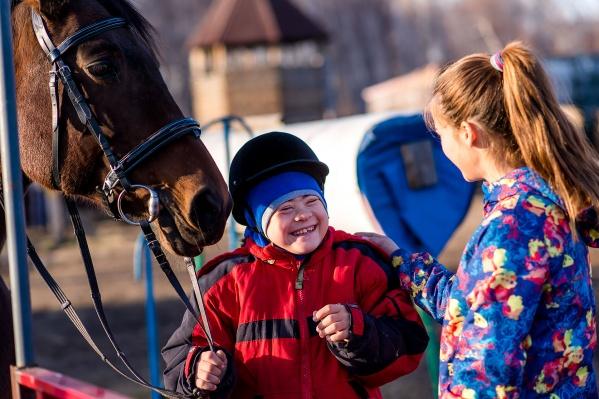 Воспитанники клуба «Добрая лошадка» победили на всероссийском турнире по адаптивному конному спорту и начали готовиться к поездке на чемпионат в Абу-Даби