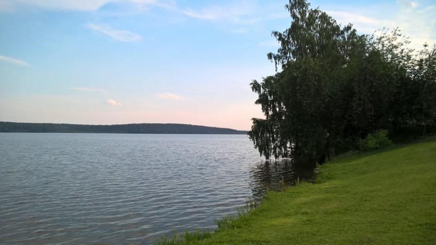 Закат на озере не так хорош, как на море, но все же лучше, чем в городе