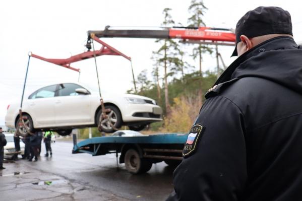 30 водителям-должникам придется выкупать свои машины со штрафстоянки