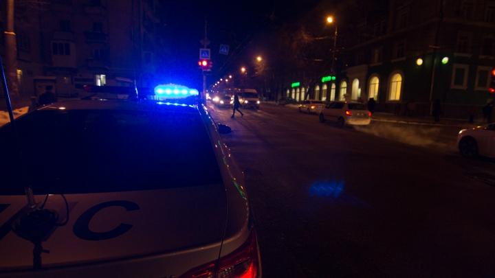 Опасный маневр: на трассе под СамаройDatsun столкнулся с двумя фурами