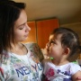 «Предложили сдать в детдом»: девушка, которая стала мамой в 15 лет, — о жизни после нашего репортажа