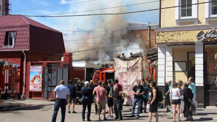«Яблонька» в огне: пожар на улице Броз Тито в десяти фотографиях