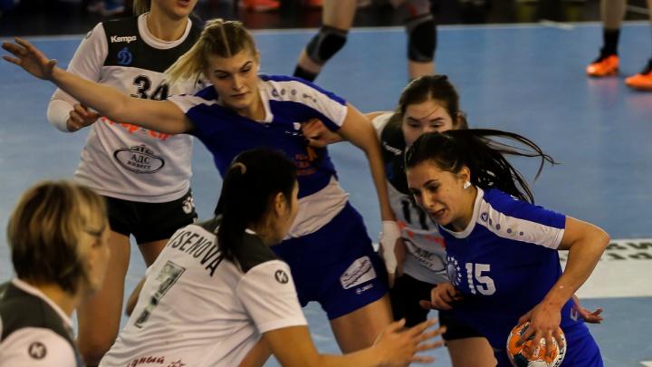 «Волгограду нужно вырастать из детского гандбола»: девушек из «Динамо» разгромили на домашнем матче