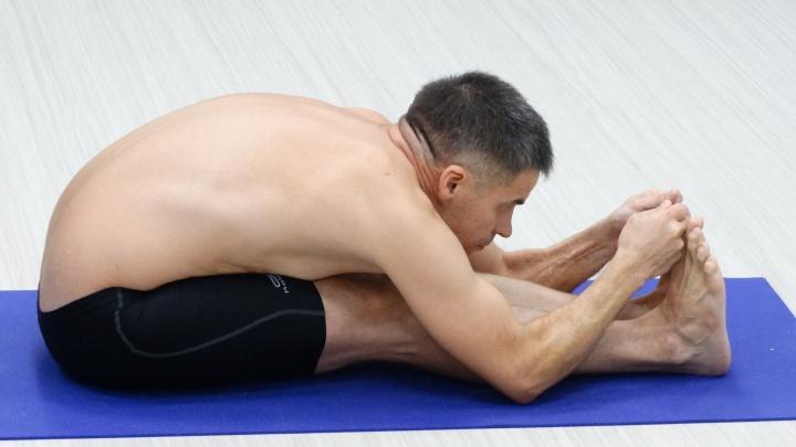 «На тренировку ходил, как к любовнице». Дорожник из Нижнего Новгорода стал инструктором по йоге
