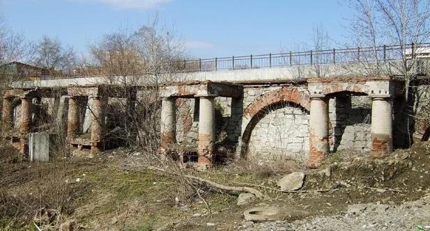 Здесь велодорожка, а тут - цветник: какие изменения ждут старинную плотину на реке Ольховка