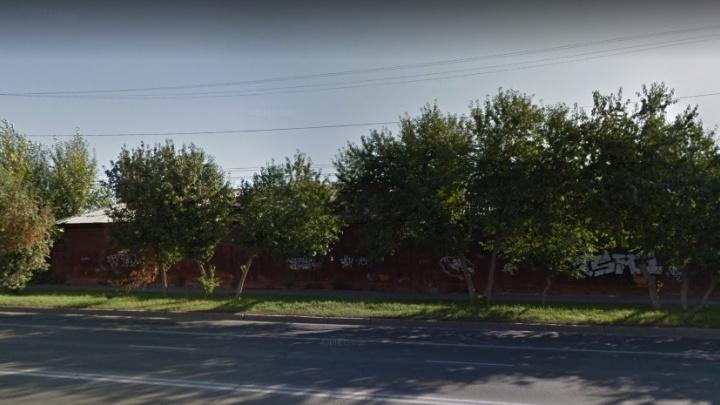 Московская компания выкупила заброшенные склады Минобороны возле ОмГУПС