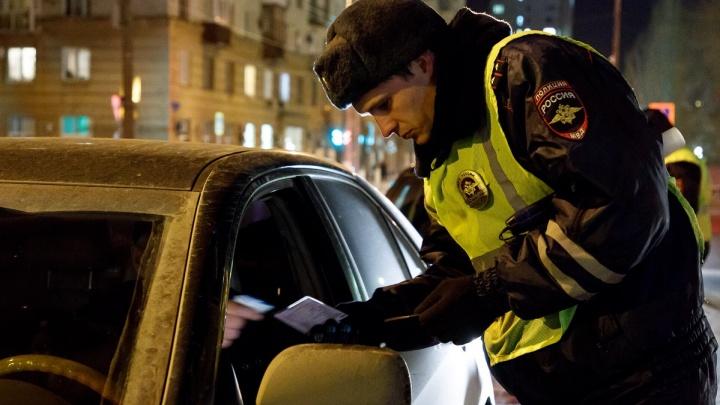 Привез в больницу и убежал: в Волгограде полиция ищет заботливого водителя-трусишку