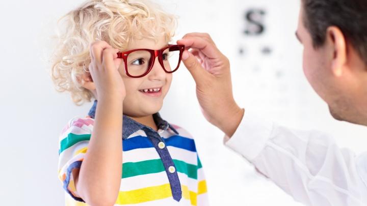 Комплексный подход и наблюдение всей семьи: где в Екатеринбурге найти хорошего детского офтальмолога