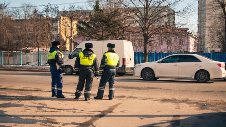 Скрыл 10 миллионов рублей: на Дону инспектора ДПС уволили из-за утраты доверия