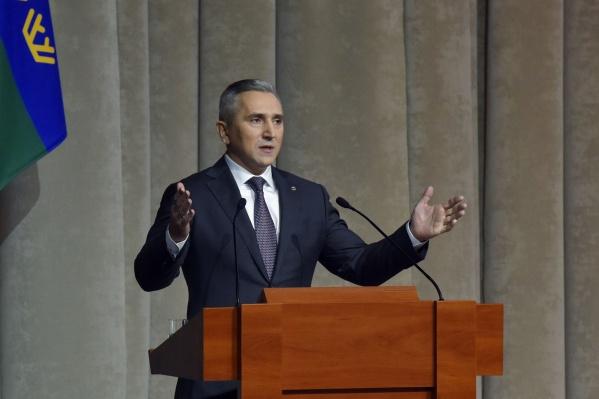 Чаще всего во время своего выступления губернатор говорил о равенстве и справедливости. Слово «равенство» он произнес за свое выступление девять раз в различных контекстах, а слово «справедливость» в его речи прозвучало десять раз